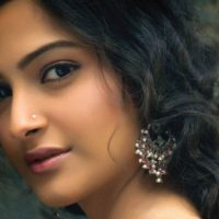 Sonam Kapoor Become Brand Ambassador of Spice Mobiles