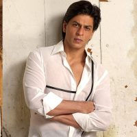 Shah Rukh Khan trying his best to help Bobby Chawla get Better