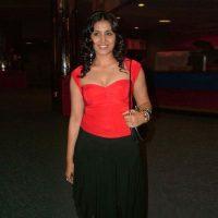 Sonali Kulkarni Marries Fox Studios MD