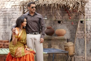 Sonakshi Sinha and Salman Khan in Dabangg