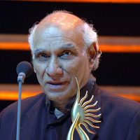 "Yash Chopra Bags ""Asian Award for Outstanding Achievement in Cinema"""