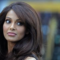 Bipasha Basu to Lock Lips with Emraan Hashmi