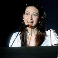 Karishma Kapoor to do Smooches Galore in her Next