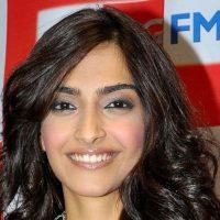 Sonam Kapoor Blasts Ranbir Kapoor Again